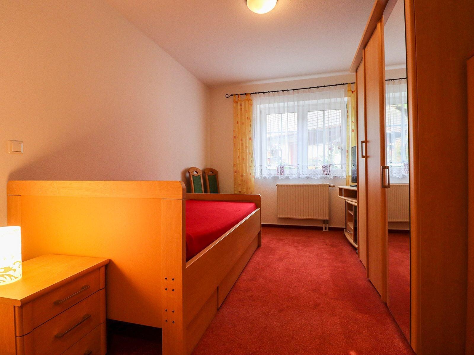 kleines Schlafzimmer Fewo 2