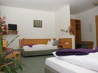Hotel-Gasthof-Hirschen, Dreibettzimmer in Löffingen - kleines Detailbild