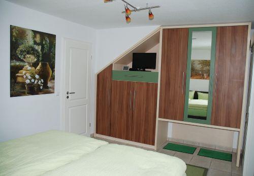 Schlafzimmer Fewo grün-mediterran