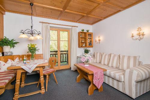 Wohn-Eßzimmer 3 Sterne Wohnung Kreuzeck
