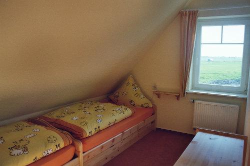 Eines der Schlafzim.m unverbautem Blick