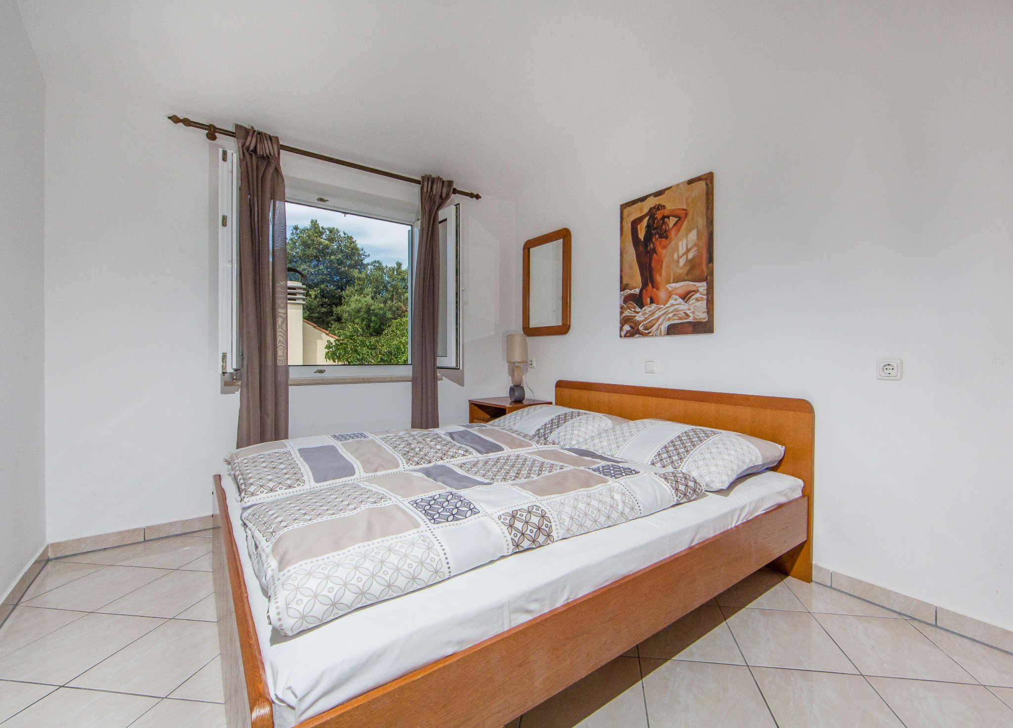 Schlafzimmer 2 mit direktem Badzugang