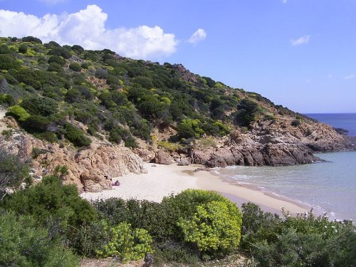 Kleiner Strand in der Nähe von Chia