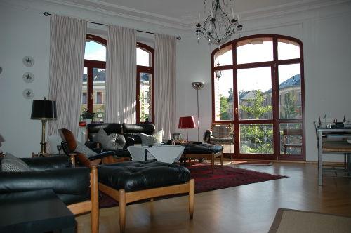 Wohnzimmer mit Blick auf den Albertplatz
