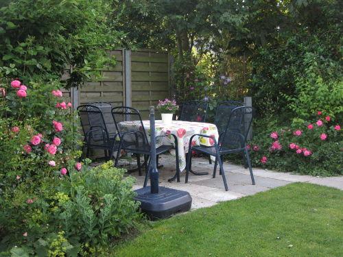Schöne Terrasse im Garten