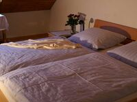 Gästehaus Motz, Doppelzimmer mit sep. Dusche und WC in Ringsheim - kleines Detailbild