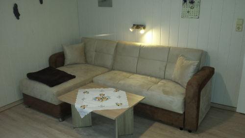 Eckcouch (ausklappbar) im Wohnzimmer