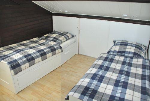 Kinderzimmer mit neuer Holzdecke