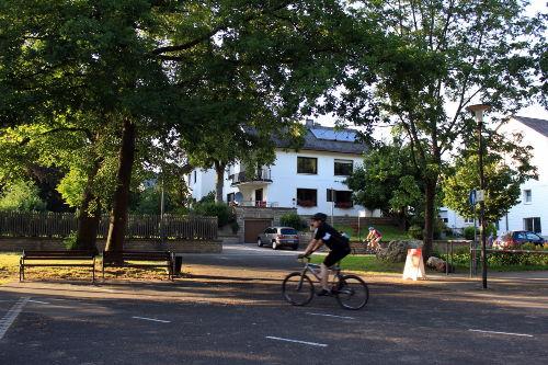 Maare-Mosel-Radweg direkt vorm Haus