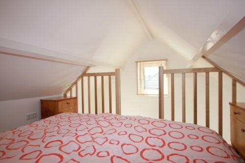 Schlafdachboden mit Steile Treppe