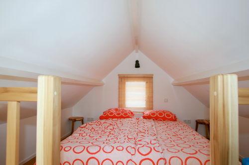 Schlafdachboden mit 2 Boxspringbetten