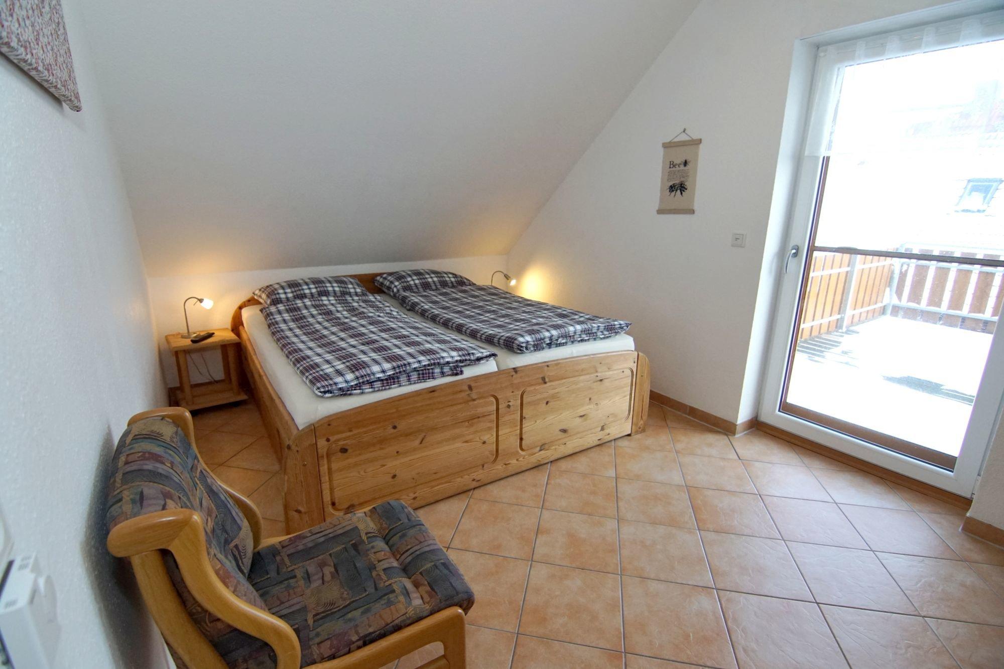 Offener Spitzboden mit zwei Betten