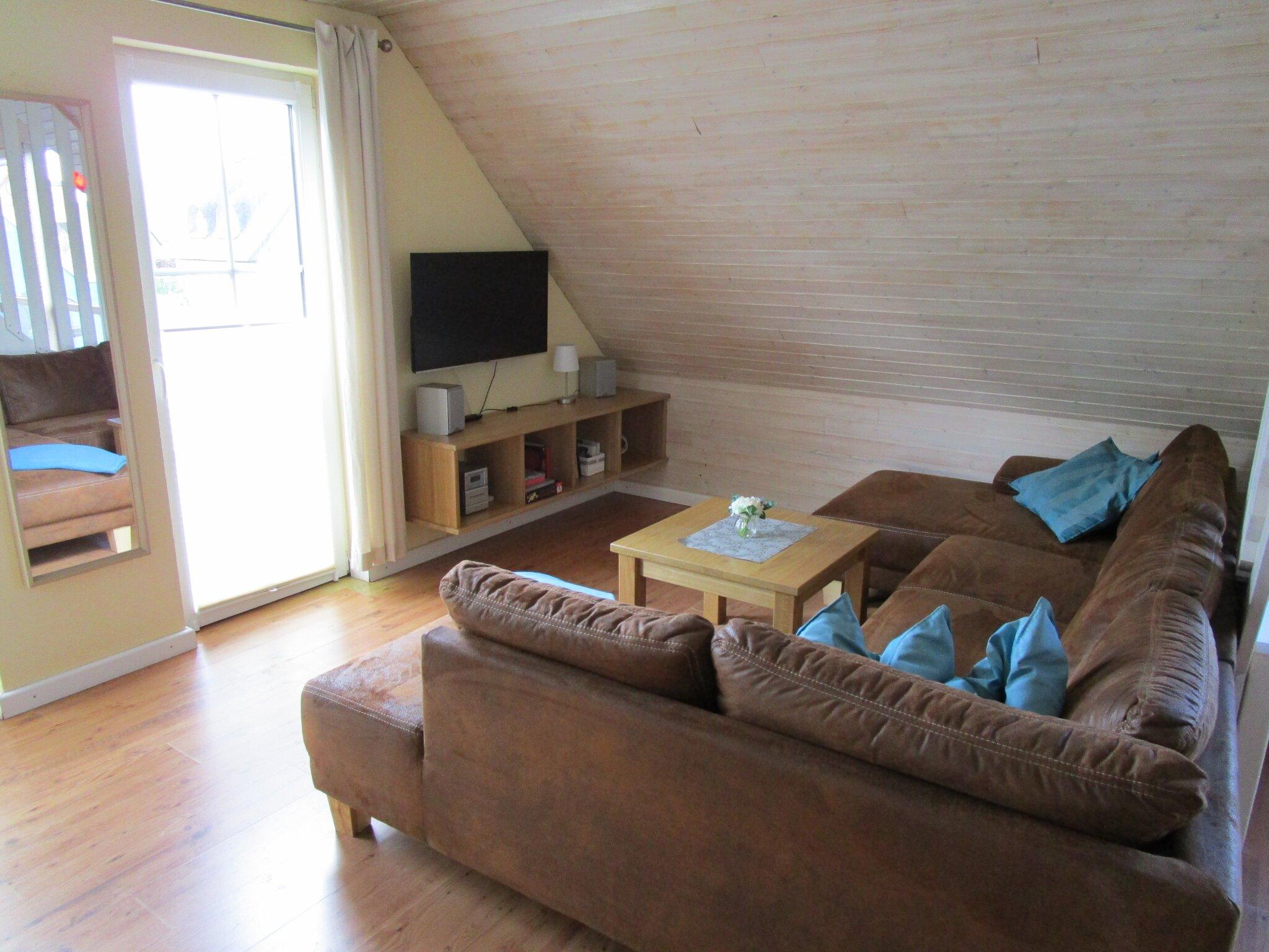 Wohnbereich mit Leder-Sitzecke