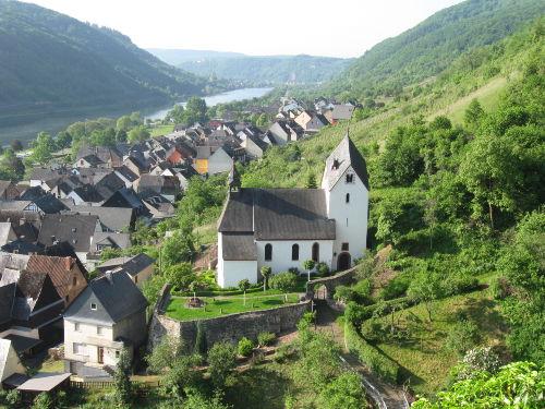 Alte Kirche von 1144