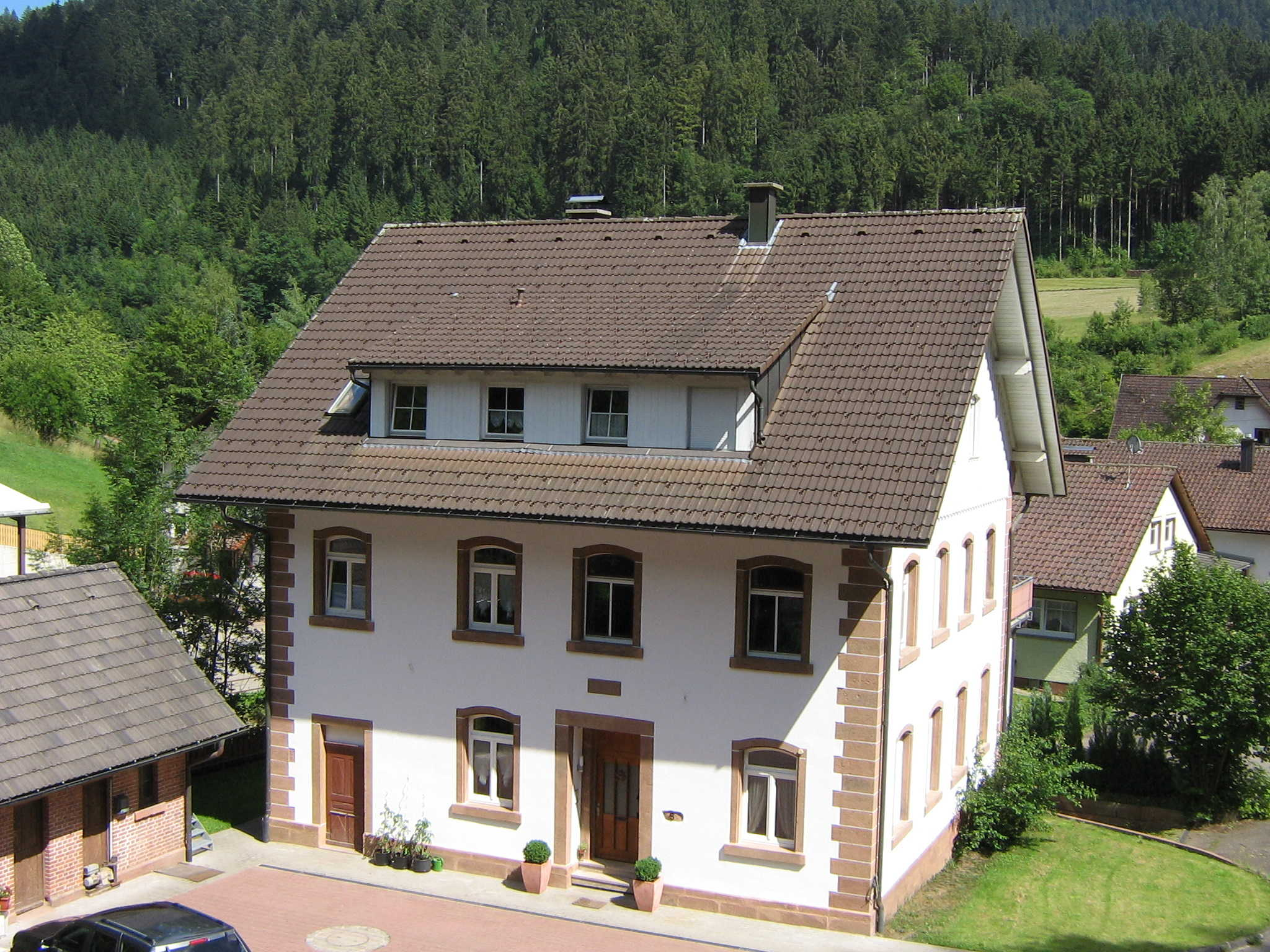Alte Seebachschule 1996 renoviert.