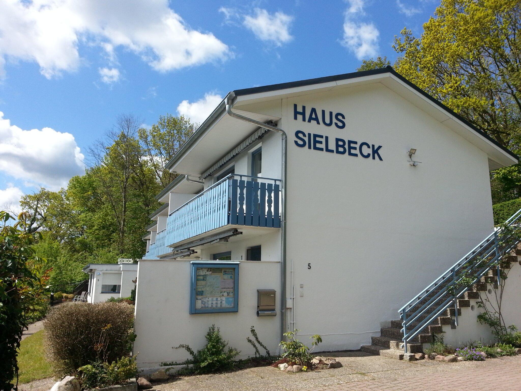 Haus Sielbeck vom Parkplatz aus gesehen