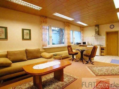 Wohnzimmer m. Eßecke + Küche