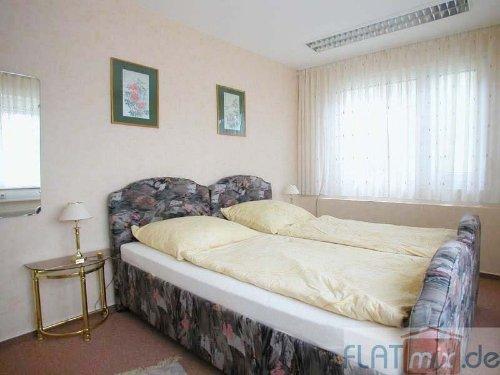 Schlafzimmer m. Einzelbetten