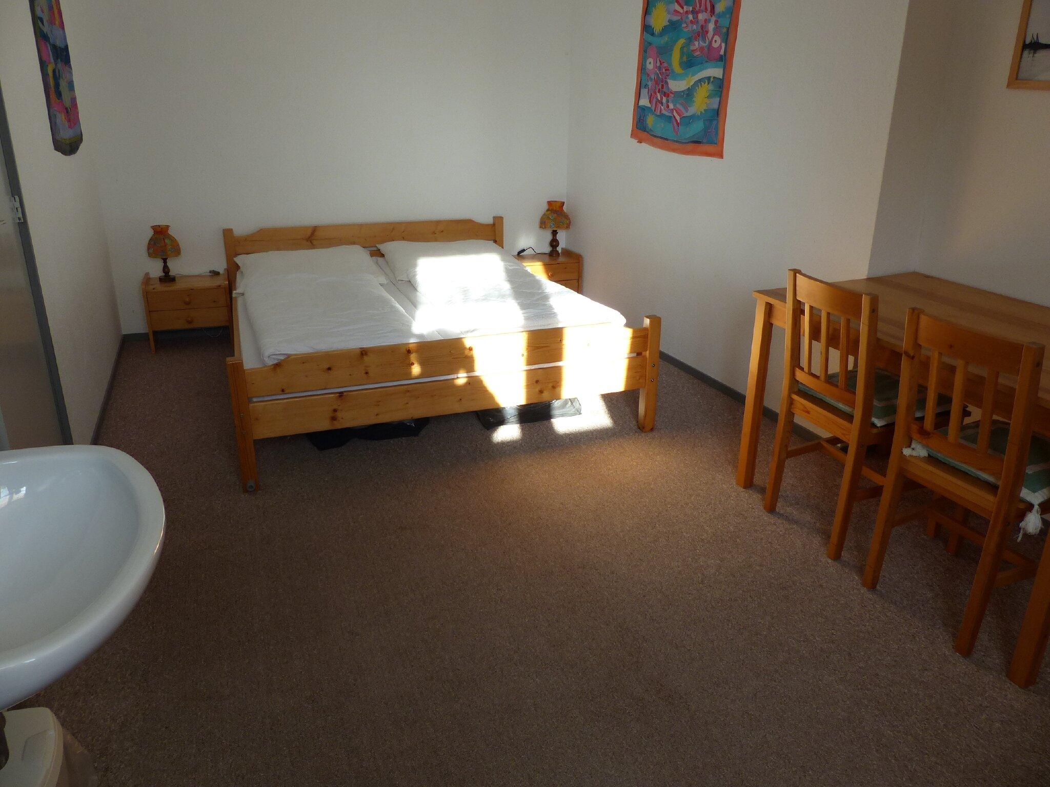 großes Schlafzimmer oben