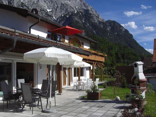 Terrasse Erli 2 mit Balkon Erli 3
