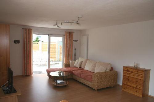 Wohnzimmer (Blick auf die Sitzecke)