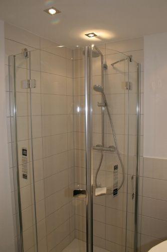Dusche mit Rainshower + sep. Handdusche