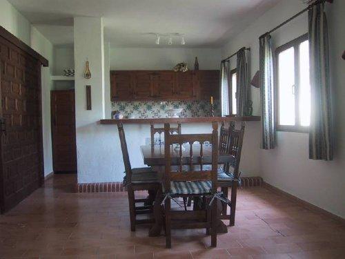 Esstisch, offene Küche