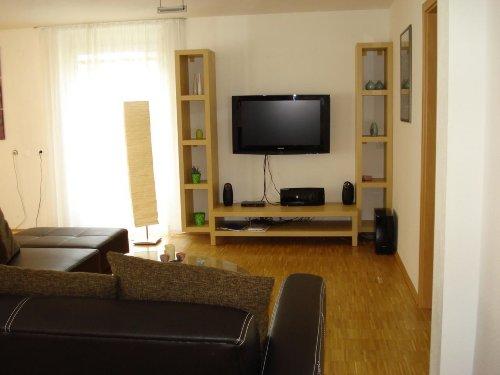 100 cm Flachbildschirm TV und Stereoanl.