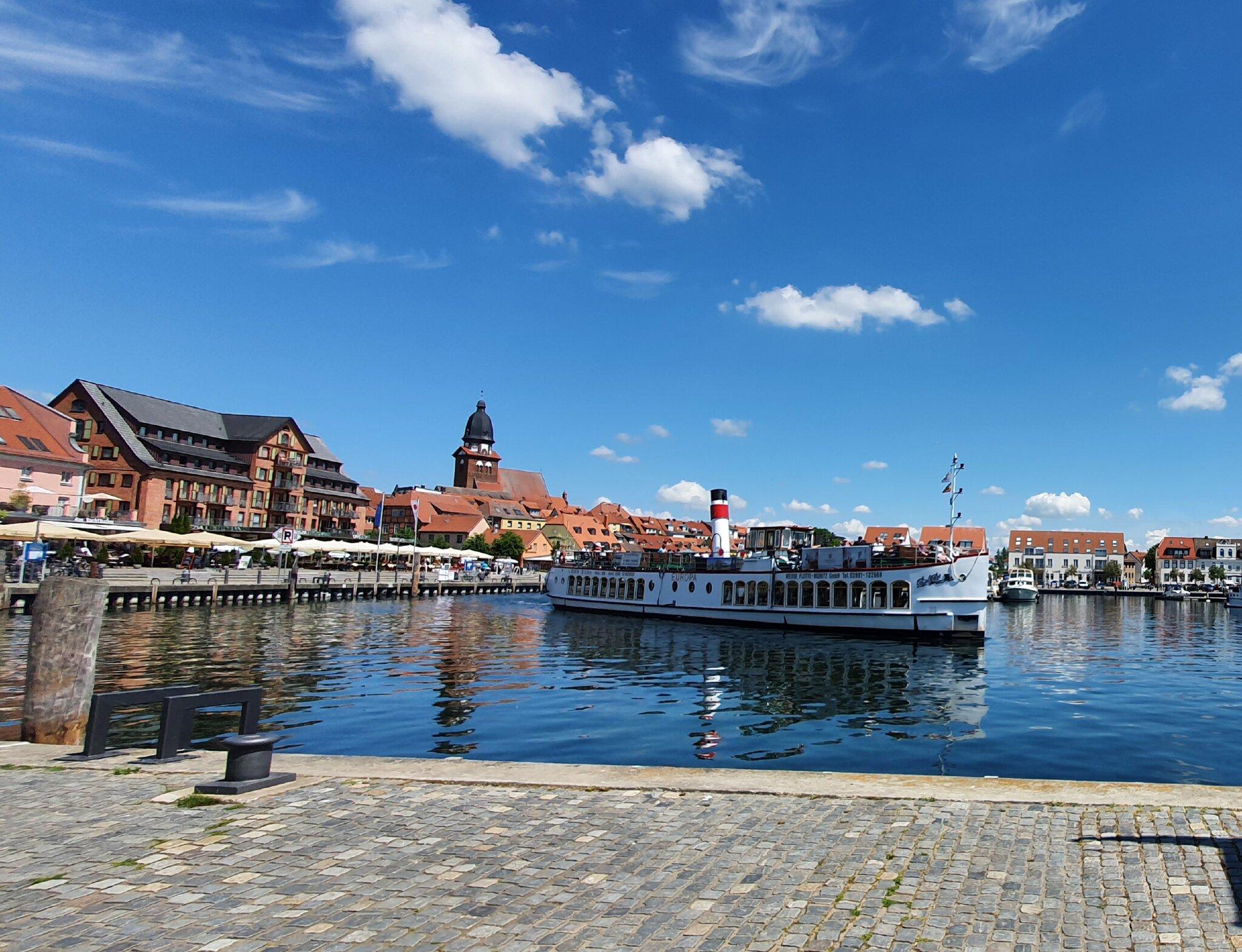 Am Hafen der Kreisstadt Waren