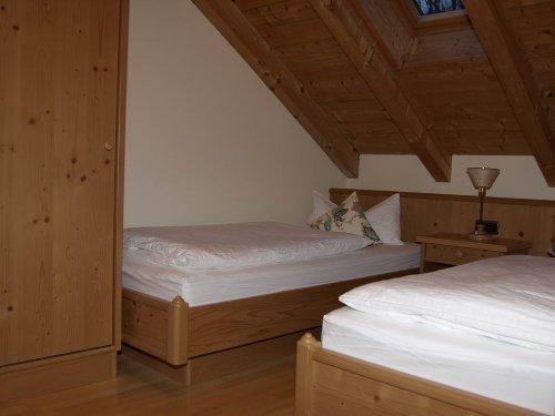 2.OG- Schlafzimmer m Einzelbetten
