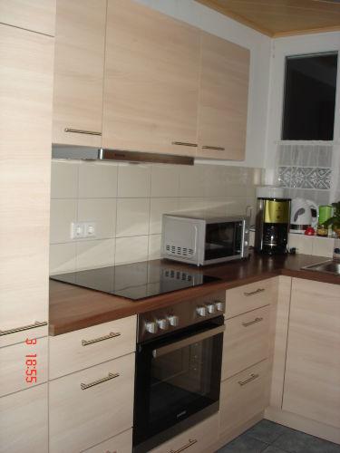 Küche mit Geschirrspüler, Mikro usw.