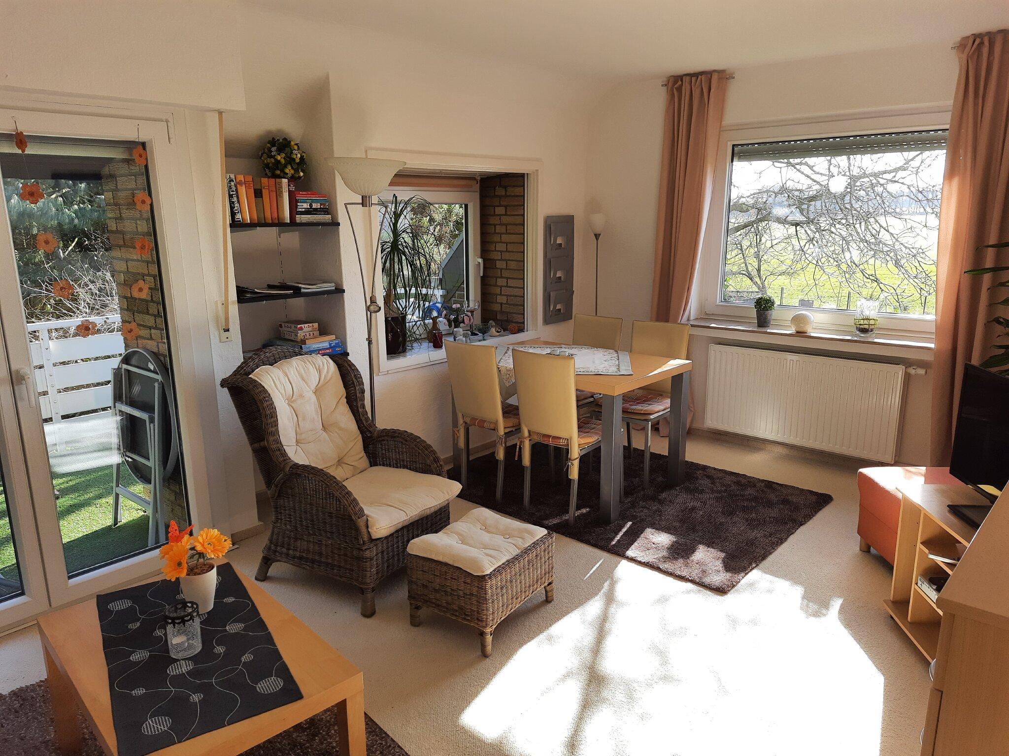 Sitzecke im gemütlichen hellem Wohnzimme
