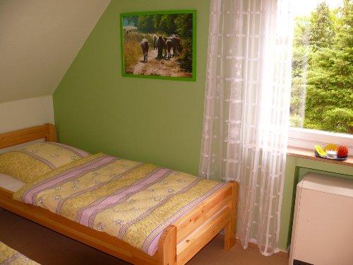 Schlafzimmer Nr. 2 mit 2 Einzelbetten