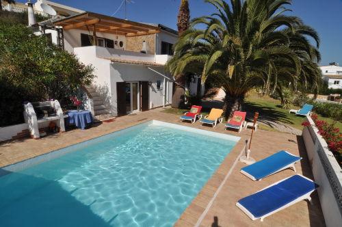 Ferienhaus mit Pool L:8,30 m x B:4,55 m