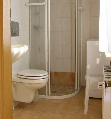 Die Dusche und WC