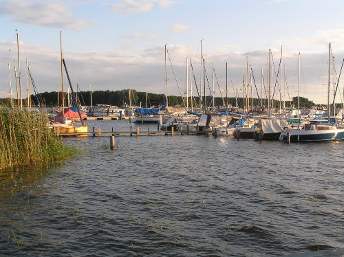 Sonnenuntergang im Yachthafen Rechlin