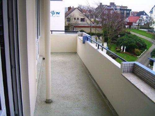 Blick von Balkon zum Nachbarn