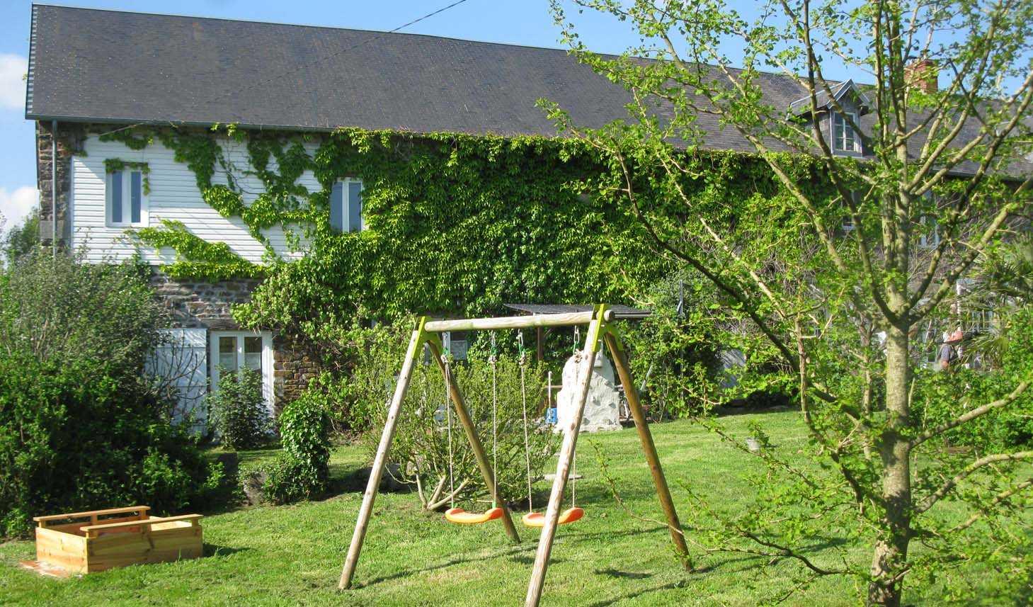 Überdachte Terrasse + Eingang