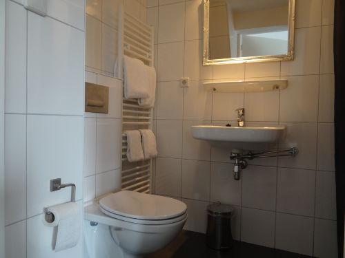 Neue Dusche/Toilette