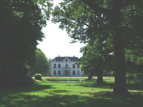 historischer Aussenplatz Zeeduin
