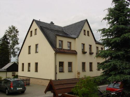 Wohnhaus Im EG befindet sich die FeWo