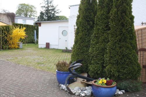 Hof mit Parkpl�tzen