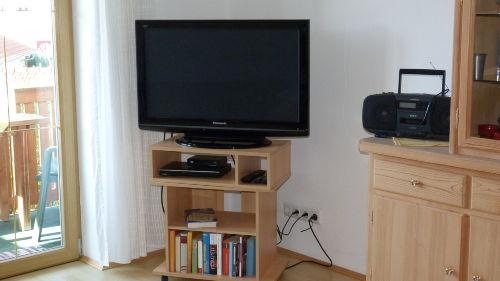 2014 neuer Flachbildschirm im Wohnzimmer