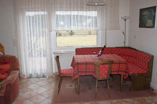 Wohnzimmer mit Aussichtsfenster
