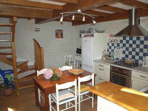 Küche mit Aufgang OG