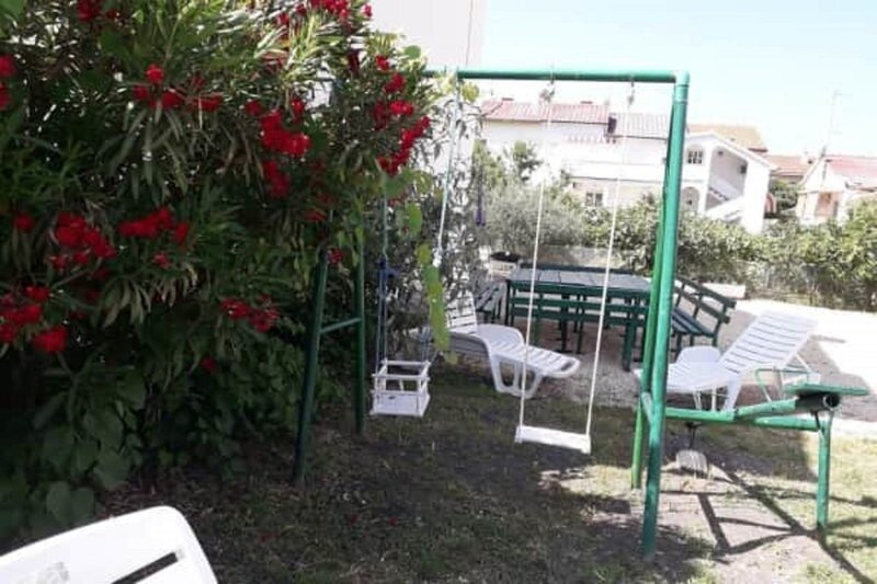 Terrasse und Garten ohne Stufen