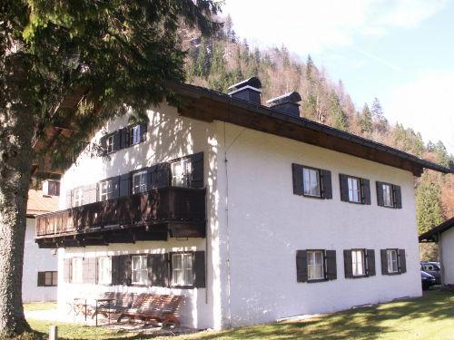 Haus m. Garten Südost-Ansicht