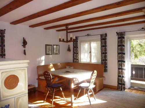 Wohnzimmer m. Balkonausgang