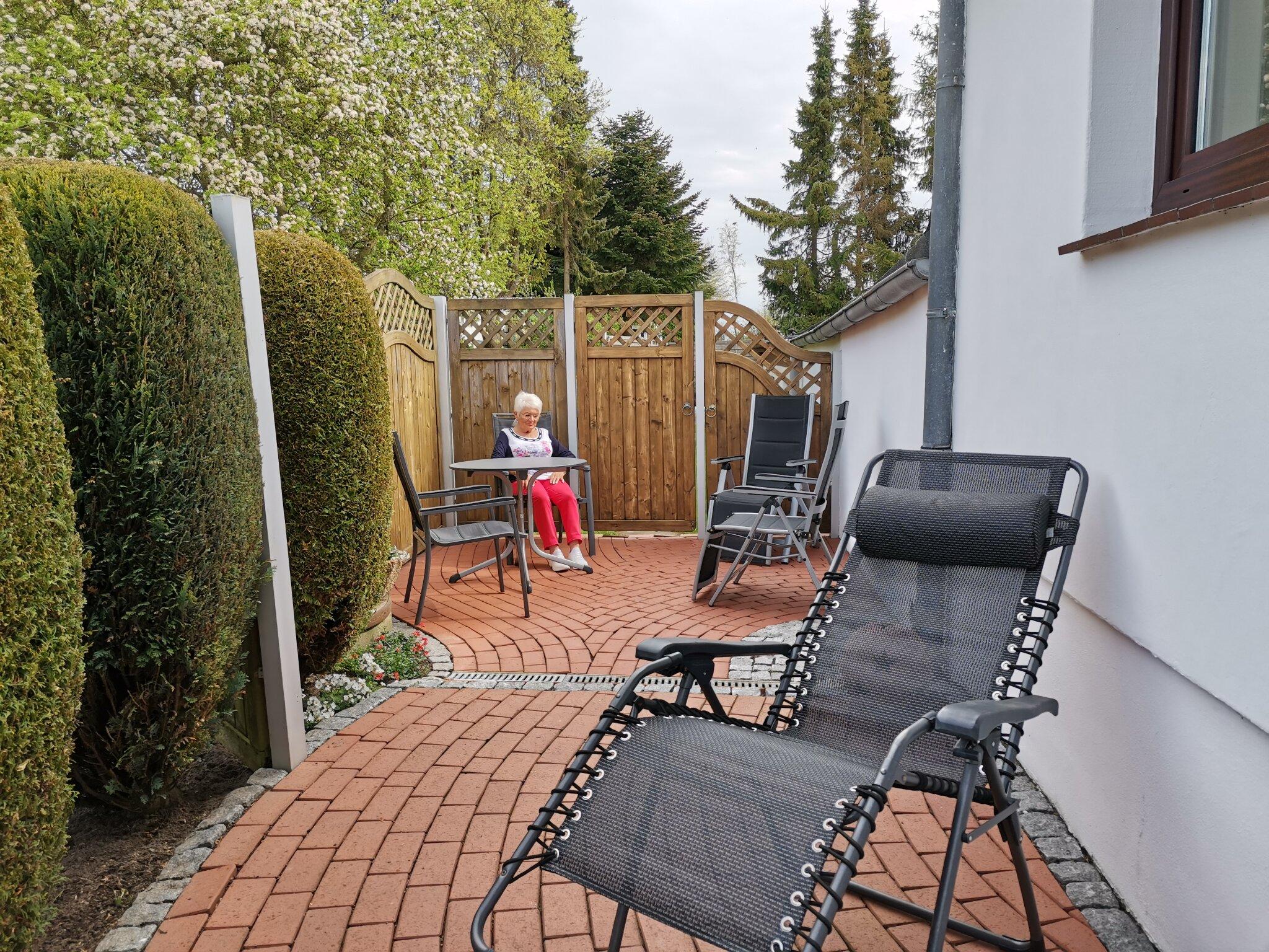 Unser Parkplatz vor dem Haus