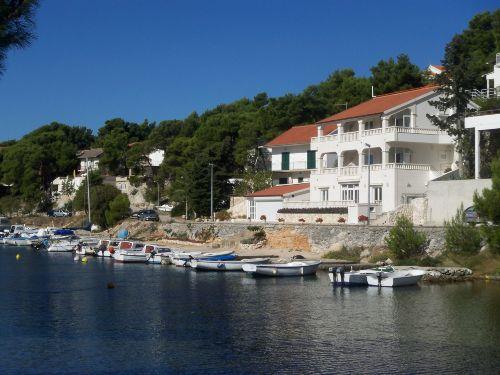 Bootsliegeplatz vor dem Ferienhaus